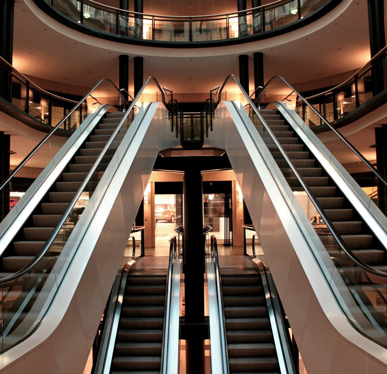 https://aircurtain.co/wp-content/uploads/2020/12/escalator-stairs-metal-segments-architecture-54581-1280x1237.jpeg